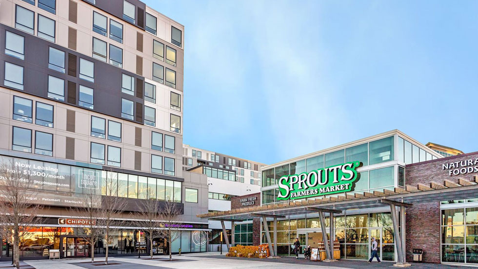 Lincoln Square Sprouts exterior